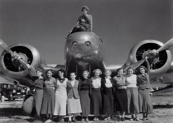 Amelia Earhart with her students, 1936